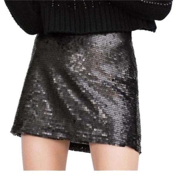 ccd9d6003375 Zara Skirts | Nwt Black Basic Sequin Miniskirt Sz S | Poshmark